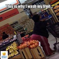 Weirdest People Of Walmart Entertain You And Build Your Day. Take A Look At These Weird People Of Walmart That Are On Another Level Of Funny People. Funny Walmart People, Funny Walmart Pictures, Funny People Pictures, Funny Images, Funny Photos, Walmart Pics, Silly Pics, Funny People Quotes, Walmart Shoppers