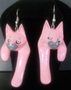 Vintage Tiger Lily Pink Cat Earrings  Love the by RosieandZoe, $12.00