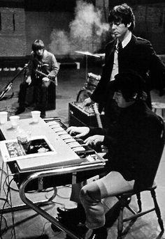 The Beatles & Vox Continental Organ : retro designed music store organ69