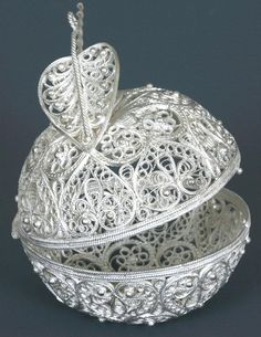 Russian Filigree Apple