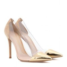 Gianvito Rossi Metallic Leather and Transparent Pumps (1.395 BRL) ❤️ liked on Polyvore featuring shoes, pumps, heels, zapatos, scarpe, neutrals, metallic leather shoes, gianvito rossi shoes, transparent pumps and see-through shoes