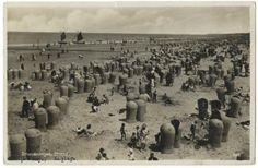 The Dutch at the Scheveningen Beach in 1932 (Haagse Beeldbank)