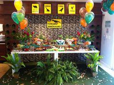 Festa Dinossauro na floresta tropical. Decoração de Ateliê Sonho Perfeito. @ateliesonhoperfeito