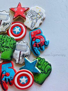 Avengers Birthday Cakes, Twin Birthday Cakes, Superhero Birthday Cake, Birthday Cookies, Superhero Party, Boy Birthday, 5th Birthday Party Ideas, Birthday Party Decorations, Avengers Party Decorations