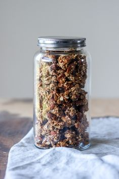 Hjemmelavet chunky granola m. Breakfast Bowls, Best Breakfast, A Food, Food And Drink, Food Crush, Granola, Healthy Smoothies, Quinoa, Brunch Recipes