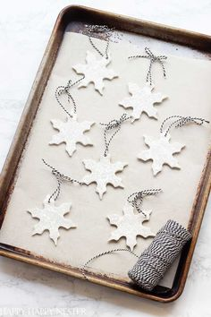 You'll want to make these adorable Christmas clay ornaments. The touch of glitter adds the bonus sparkly feature that takes this craft to a higher level. Enjoy making these with your kids. Twig Christmas Tree, Farmhouse Christmas Ornaments, Diy Christmas Lights, Christmas Clay, Dollar Store Christmas, Simple Christmas, Handmade Christmas, Christmas Decorations, Christmas Design