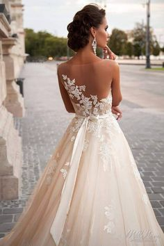 i dont have words for this amazing dress!!