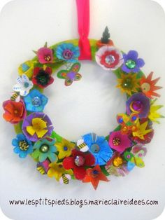 couronne,décoration,pâques,porte,bricolage,enfants,recyclage,boite a oeufs
