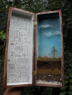 Dirt and stratigraphy shadow box diorama. Shadow Box Kunst, Shadow Box Art, Creation Art, Creation Deco, Altered Tins, Altered Art, Art Matchbox, Art Altéré, Wal Art