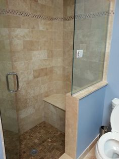 1000 images about accessible bathroom on pinterest roll for Banos super pequenos