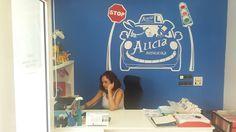 Alicia luchando ...