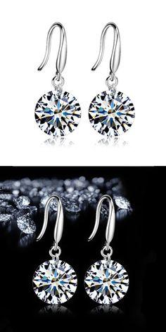 2016 New Women Silver plated stud Earring Luxury Bling 8mm CZ Bare  Rhinestone Female Ear Jewelry bfd549e2e4b7