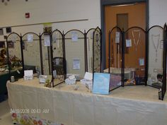 fireplace screens for jewelry display. What a great idea! Would add fabric to the backs so jewelry would show better. Jewelry Booth, Jewelry Show, Jewelry Logo, Kids Jewelry, Etsy Jewelry, Art And Craft Shows, Craft Show Ideas, Jewellery Storage, Jewelry Organization