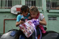 Abriendo los regalos Responsabilidad Social BRG Casa Hogar Emmanuel
