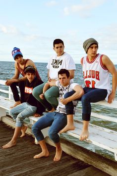 I really want to meet the Janoskians!!