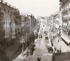 Finales de los años 20. Vemos la Rambla, cerrada aún por el edificio de los Manero, con la Calle Liorna (después, López Torregrosa). Fotografía de Lucien Roisin