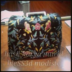 Sewing machine cover, batik style - bleSS3d modiste sewing course