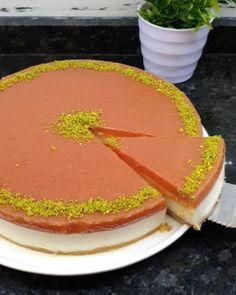 """16.4b Beğenme, 316 Yorum - Instagram'da Cahide Sultan (@cahide_sultan): """"Dün misafirlerime 2 çeşit ikramlık hazırlamıştım. Acılı tuzlu kurabiye ve pişmeyen cheesecake in…"""" Sultan, Cake, Desserts, Instagram, Food, Tailgate Desserts, Deserts, Kuchen, Essen"""