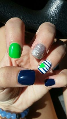 Awesome Seahawks Nails Design Ideas that Must You See - Styles Art Seahawks Nails, Football Nails, Football Nail Designs, Seahawks Football, Toe Nails, Nails Inspiration, How To Do Nails, Pretty Nails, Hair And Nails