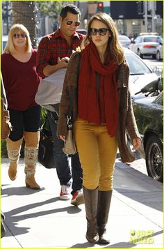 mustard skinny jeans...I want a pair of pants this color.