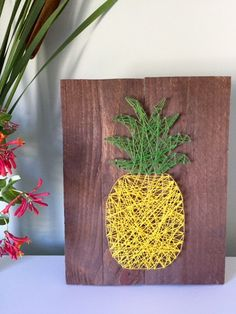 Pineapple String Art Pallet Sign.  Show your Hawaiian side with this colorful and bright addition.