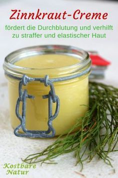 Lotion with field horsetail for firmer and more elastic .- From a few natural ingredients, you can make your own lotion with horsetail. It helps to tighten the skin, improve blood circulation and beautify your complexion.