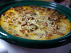 Christmas Morning Slow Cooker Egg Bake – this egg bake recipe is so easy and delicious for family breakfasts together.