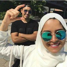 Couples Musulmans, Cute Muslim Couples, Cute Couples Goals, Romantic Couples, Couple Goals, Muslim Couple Photography, Wedding Photography, Like A Mom, Hijabi Girl