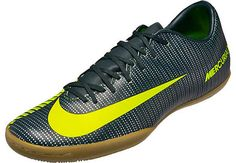 Nike CR7 Mercurial Victory VI IC. Hot at www.soccerpro.com right now!