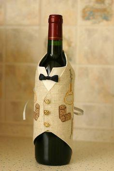 for bottle wine Wine Bottle Glasses, Wine Bottle Covers, Wine Bottle Crafts, Bottle Art, Cross Stitch Gallery, Wine Bottle Centerpieces, Paper Flowers Craft, Cross Stitch Kitchen, Craft Work