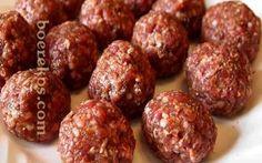 Die lekkerste meatballs~ toor met maalvleis  Die lekkerste meatballs ooit......Boerekos Resepte