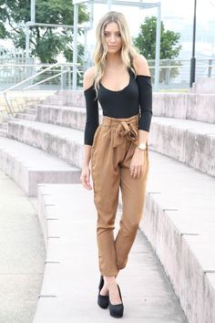 cinched waist trousers