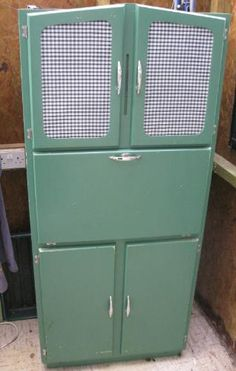 Genuine vintage kitchen cupboard! You couldn't find this in the shops...not at this bargain price of £50!