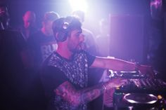 Easily one of the biggest talents in house music, Hot Since 82, the King of groove never fails to release an exceptional track. With more focus on DJing and touring during the last 5 months, since his impeccable release of his debut album the Little Black Book, productions have dried out. We can forgive him …