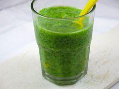 Smoothie vert: banane poire orange épinards