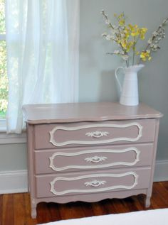 Just pretty - dresser with detail