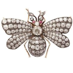 Pre-owned 1910 Ruby Diamond Silver Gold Butterfly Pin ($9,300) ❤ liked on Polyvore featuring jewelry, brooches, multiple, silver jewellery, gold butterfly brooch, diamond jewellery, silver butterfly jewelry and ruby brooch
