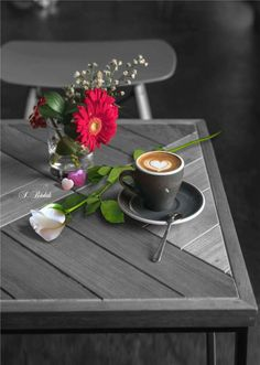 "Any given time is useful for """"a good coffe"""" plus the favorite class is without doubt the warm espresso. Coffee Break, Coffee Time, Morning Coffee, Tea Time, Good Morning, Coffee Latte, V60 Coffee, Coffee Shop, Coffee Drinks"