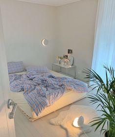 Room Design Bedroom, Small Room Bedroom, Room Ideas Bedroom, Bedroom Decor, Korean Bedroom Ideas, Study Room Decor, Bedroom Inspo, Pastel Room, Minimalist Room