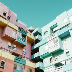 Berlino, geometrie e colori - Le Riflessioni di Matthias Heiderich