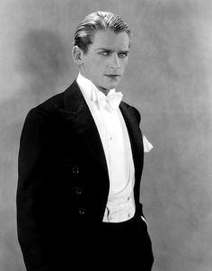 Douglas Fairbanks Jr., sans mustache, but still so debonaire <3