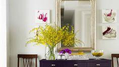 Διακοσμήστε με τους πιο οικονομικούς τρόπους τους δυο πιο παρεξηγημένους χώρους του σπιτιού, το χολ και το διάδρομο.