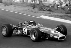 Jim Clark (GBR) Lotus 49 took pole and won the race. Tragically this was to be his last F1 grand prix before suffering a fatal accident in an F2 race at Hockenheim. South African Grand Prix, 1 January 1968.