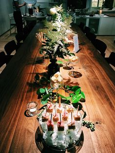 Catering for arlfex Japan Catering, Japan, Table Decorations, Furniture, Home Decor, Homemade Home Decor, Home Furnishings, Interior Design, Home Interiors