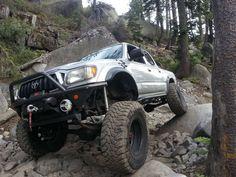 Toyota Tacoma Off Road, Toyota Tacoma Double Cab, Toyota 4x4, Toyota Trucks, Toyota 4runner, Lifted Trucks, Taco Town, Tacoma Truck, Future Trucks