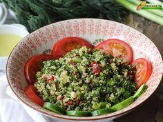Kısır mı desek, salata mı ? Çok lezzetli ve hafif bir ikram olan Tabule için. İsmi havalı ama yapımı çook kolay bir tarif, Tabule....