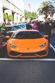 Lamborghini Huracan. Looks like a very aggressive car. Still its a nice photo and car