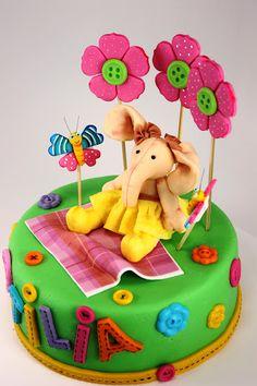 Cute baby elefant cake