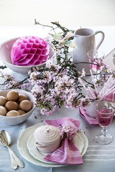 How to Style a Spring Table