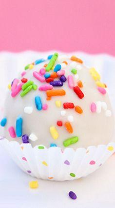 Birthday Cake Oreo Truffles - www.southernlivingrentals.com